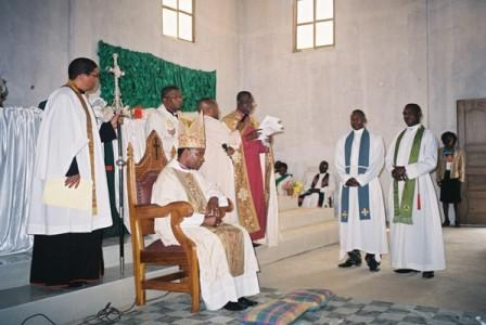 Archbishop_Thabo_installing_new_archdeacons