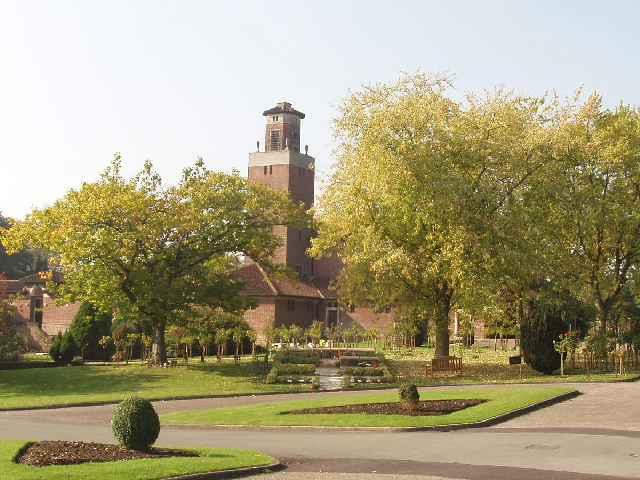 Crematorium_in_St_Marylebone_Cemetery_East_Finchley_-_geograph.org.uk_-_65917